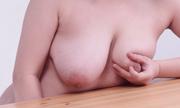 テーブルうつ伏せオナニー ゆい 7