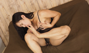 I masturbate while licking the feet Satomi 14