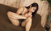 I masturbate while licking the feet Satomi 5