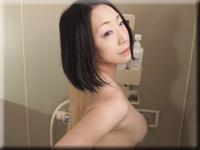 シャワールームでオナニー