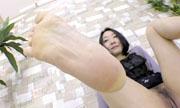 女性の足の裏 しんぴな娘たち 16