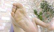 女性の足の裏 しんぴな娘たち 17