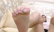 女性の足の裏 しんぴな娘たち 19
