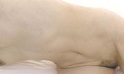 感じてる女性の腹筋...thumbnai1