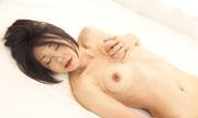 感じてる女性の腹筋...thumbnai16