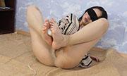 足の裏が性感帯の女...thumbnai31