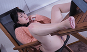 The woman masturbation with expressionless Nahoko 25