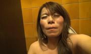 トイレで自画撮りオナニー...thumbnai20